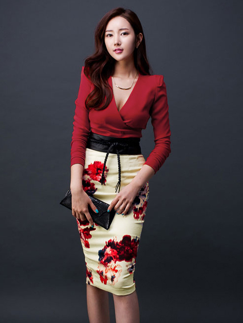Sexy V-neck Red Top With Floral Skirt