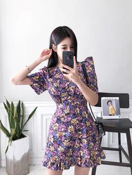 V Neck Puff Sleeve Floral Short Sleeve Dress