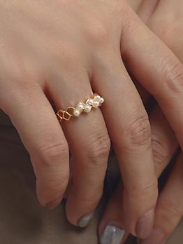 Hollowed Rhombus Pearl Decor Rings For Women