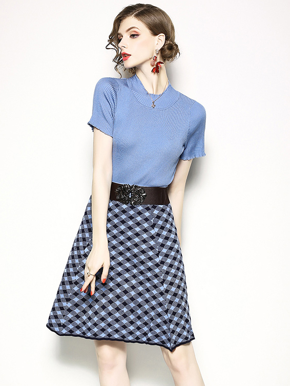 Solid Knitted Short Sleeve Top With Plaid Half Skirt