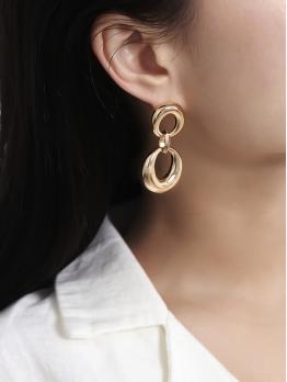 Geometric Ring Vintage Earrings Design