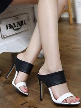 Contrast Color Snake Printed Embossed Heel Slippers