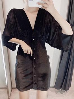 Single-Breasted Black Long Sleeve Velvet Dress