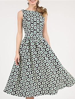 Bohemian Daisy Print Sleeveless Midi Dress