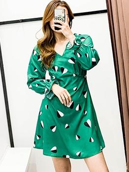 Contrast Color Heart Print Long Sleeve Short Dress