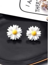 Easy Matching Daisy Stud Earrings