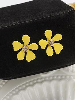 Sweet Yellow Flower Stud Earrings