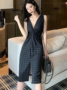 Deep V Neck Front Twist Plaid Black Sleeveless Dress