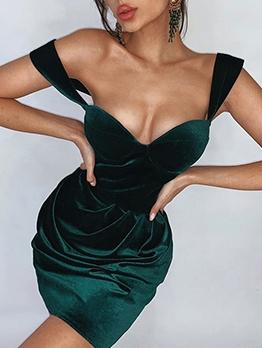 Low-Cut v Neck Sleeveless Dress