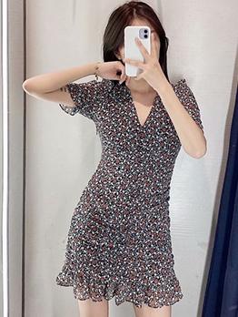 V Neck Draped Floral Short Sleeve Casual Dresses