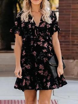 Vintage Ditsy Printed v Neck Ladies Dress