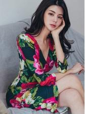 Slim Fit Flower Printed v Neck Ladies Dress