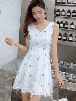 Fresh Style Tassel Decor V Neck A-Line Dress