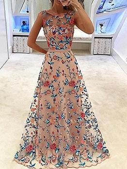 Elegant Embroidery Sleeveless Maxi Formal Dresses