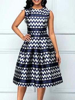 Geometrical Print Sleeveless Plus Size Dress
