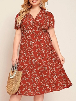 V Neck Ditsy Printed Plus Size Casual Dresses