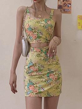 Sleeveless Flower Printed Crop Top And Skirt Set