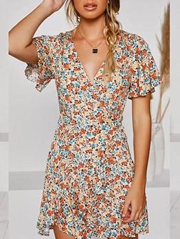 V Neck Ditsy Printed Short Sleeve Dress