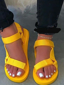 Solid Ladies Flat Sandals