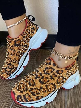 Casual Rivets Decor Sneakers For Women