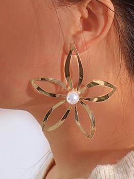 Hollow-Out Flower Shape Faux Pearl Earrings For Women