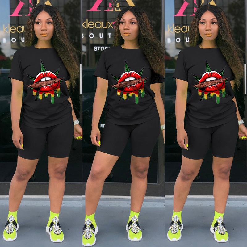 Black Lip Pattern Short Sleeve Tee With Skinny Shorts