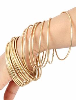 Simple Design Golden Alloy Round Bracelet For Women