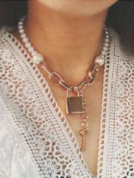 Temperament Lock Shape Pendant Faux Pearl Necklace