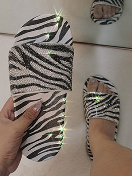 Fashion Rhinestone Snake Print Slide Slippers For Outwear