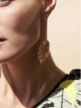 Retro Style Hollow Out Leaf Shape Long Earrings
