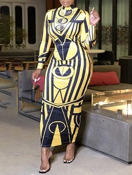 Contrast Color Printing Mock Neck Maxi Dress
