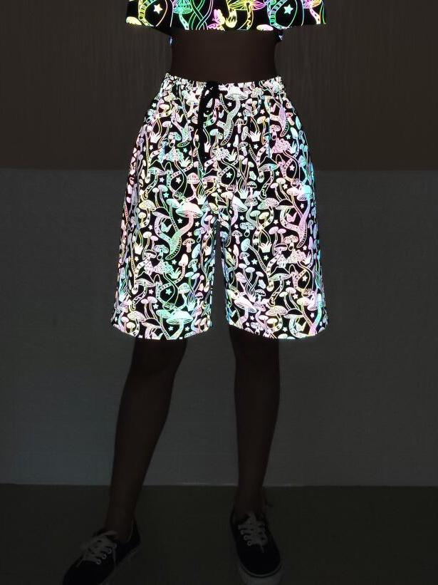 Mushroom Print Reflective Half Pants For Men