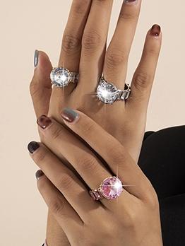 Create Fashion Street Rhinestone Temperament Ring