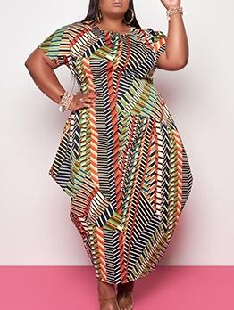Geometric Printed Short Sleeve Plus Size Maxi Dresses