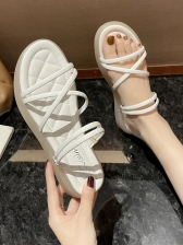 Trendy Solid Beach Flat Sandals For Women
