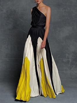 Contrast Color Inclined Shoulder Maxi Dresses