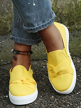Casual Solid Round Toe Canvas Flat Sneaker