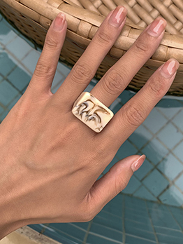 Novel Solid Chic Shape Square Resin Ring