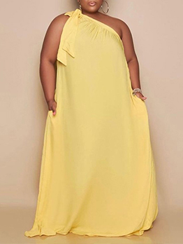 Loose Inclined Shoulder Solid Plus Size Maxi Dress