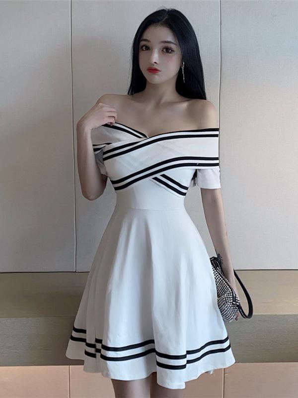Seductive Fresh Striped Off Short Ruffles Dress