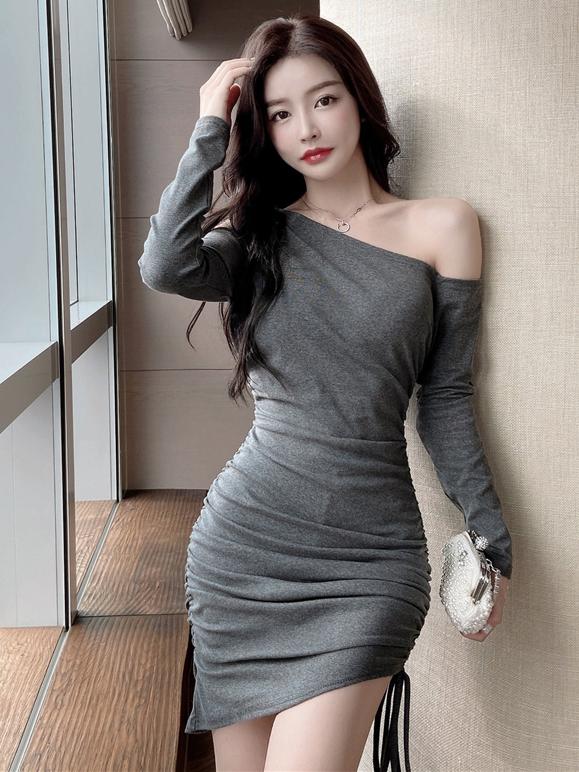 Charming Solid Inclined Shoulder Drawstring Long Dress