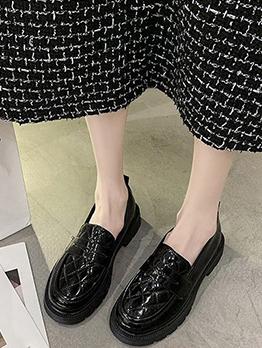 Korean Style Plaid Flats For Women