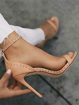 Adorable Rivet Ankle Strap Heeled Sandals