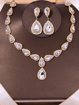 Gorgeous Rhinestone Bridal Necklace And Earrings Set